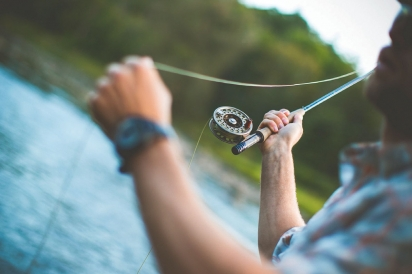 Stringing the fishing pole